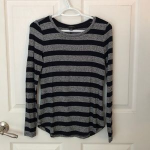 Ann Taylor long sleeve shirt